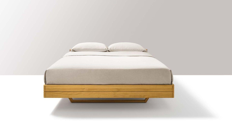 Letto float in legno naturale nella versione base – vista frontale