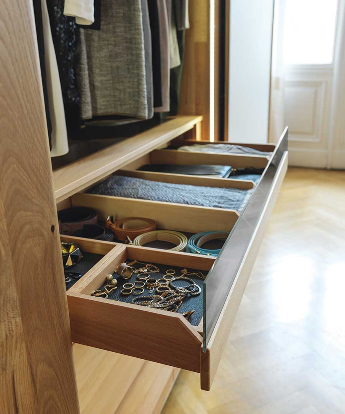 Practical wardrobe inside drawer