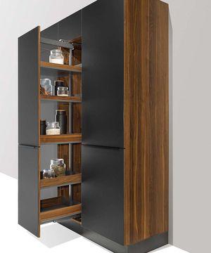 Высокий шкаф, внутреннее устройство, кухня от TEAM 7