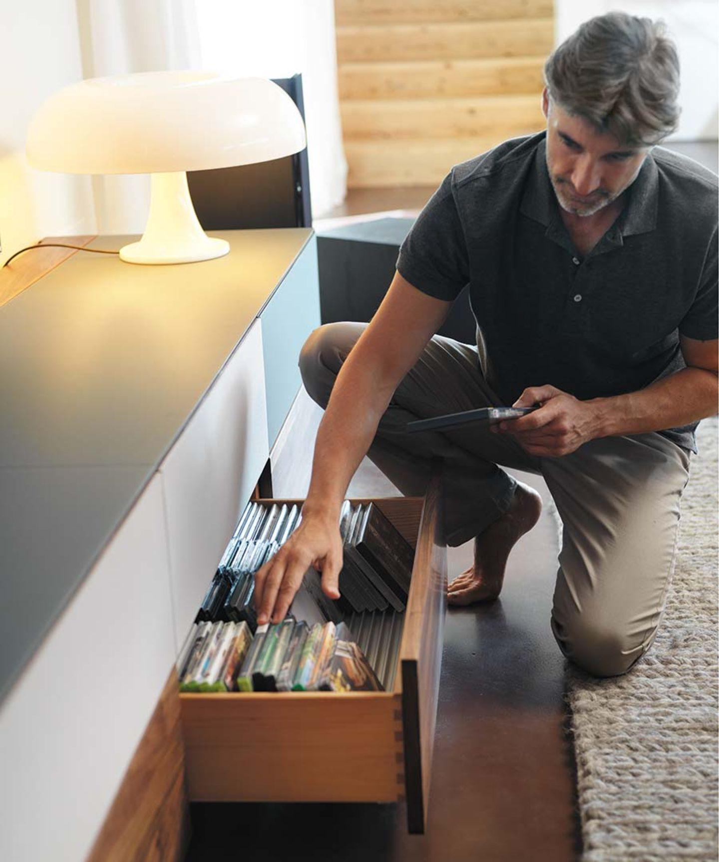 Meuble home entertainment cubus pure avec tiroir et espace de rangement pour les CD