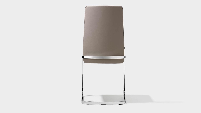 Chaise cantilever f1 en cuir gris vue de derrière