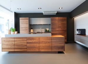 k7 height-adjustable kitchen at TEAM 7 Linz