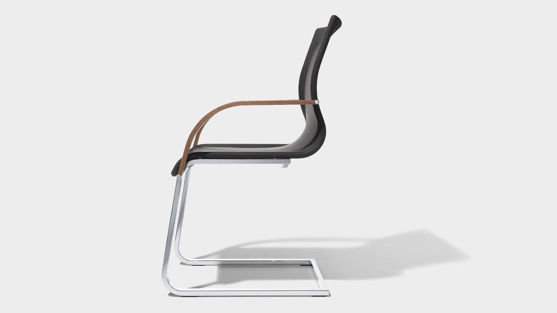 Stuhl magnum Stricktex mit Armlehnen von TEAM 7