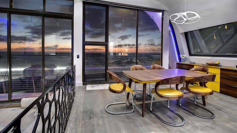 TEAM 7 flaye Tisch und girado Stühle in einem Privathaus