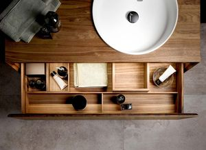 Interior organisation element for bathroom in walnut