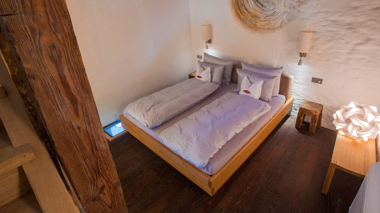 """Кровать """"nox"""" от TEAM 7 в отеле Эразмус"""