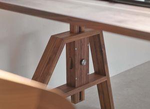 Bureau atelier ajustable en hauteur avec détails artisanaux