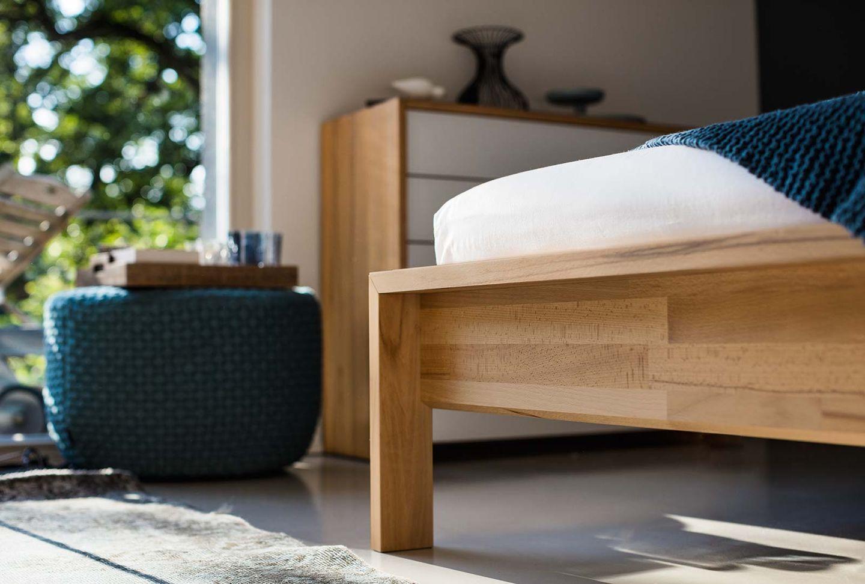 Bett lunetto aus Massivholz