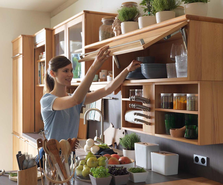 Cucina in legno massello rondo con pensili e ribalta