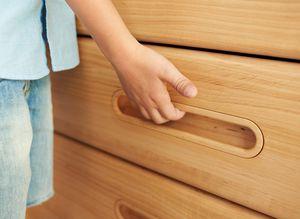 Cameretta bambini mobile comò in legno naturale