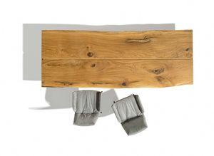 table en chêne massif avec montants entièrement brossés de TEAM7