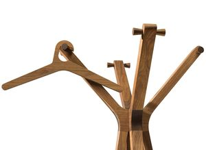 L'appendiabiti hood con i suoi ampi bracci offre molto spazio