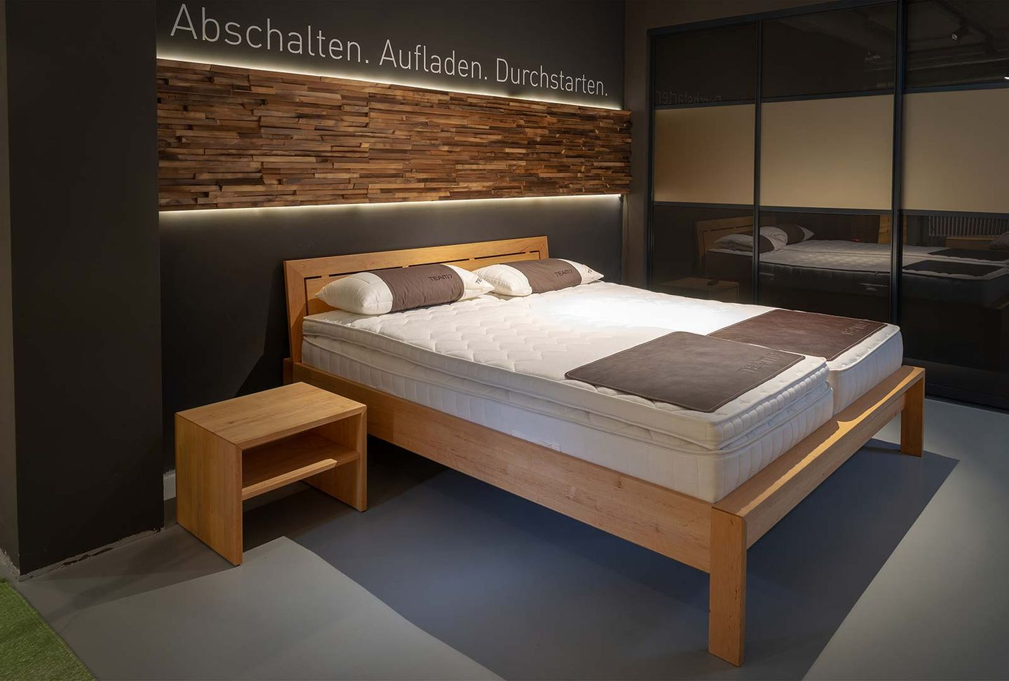 Mattresses at TEAM 7 Hamburg City and the aos sleeping system
