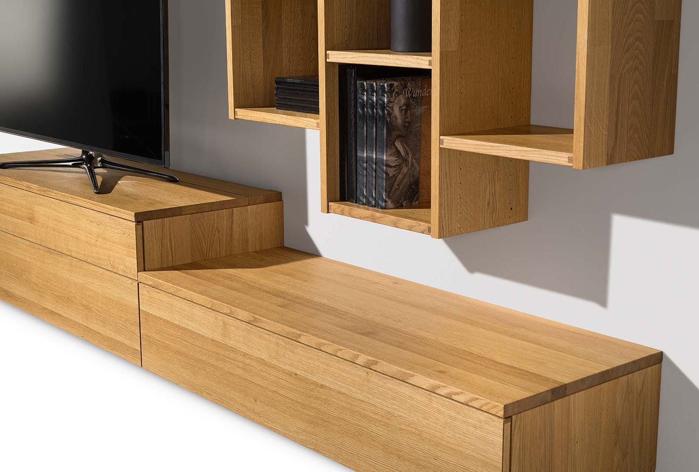detail of cubus wall unit shelf system by TEAM 7