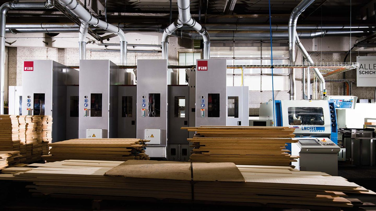 CNC machine in the TEAM 7 production hall