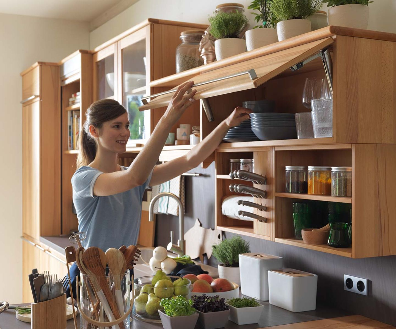 Massivholzküche rondo mit Hängeschrank und Ladenklappe