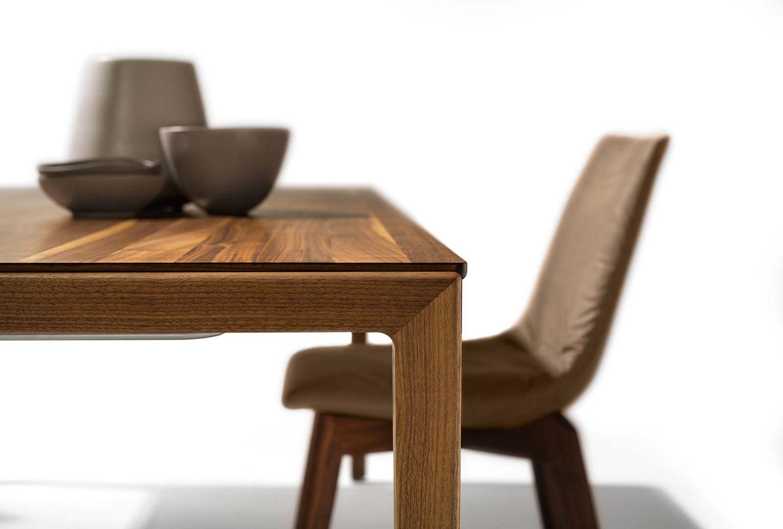 Table de salle à manger design tak extensible avec piétement en bois