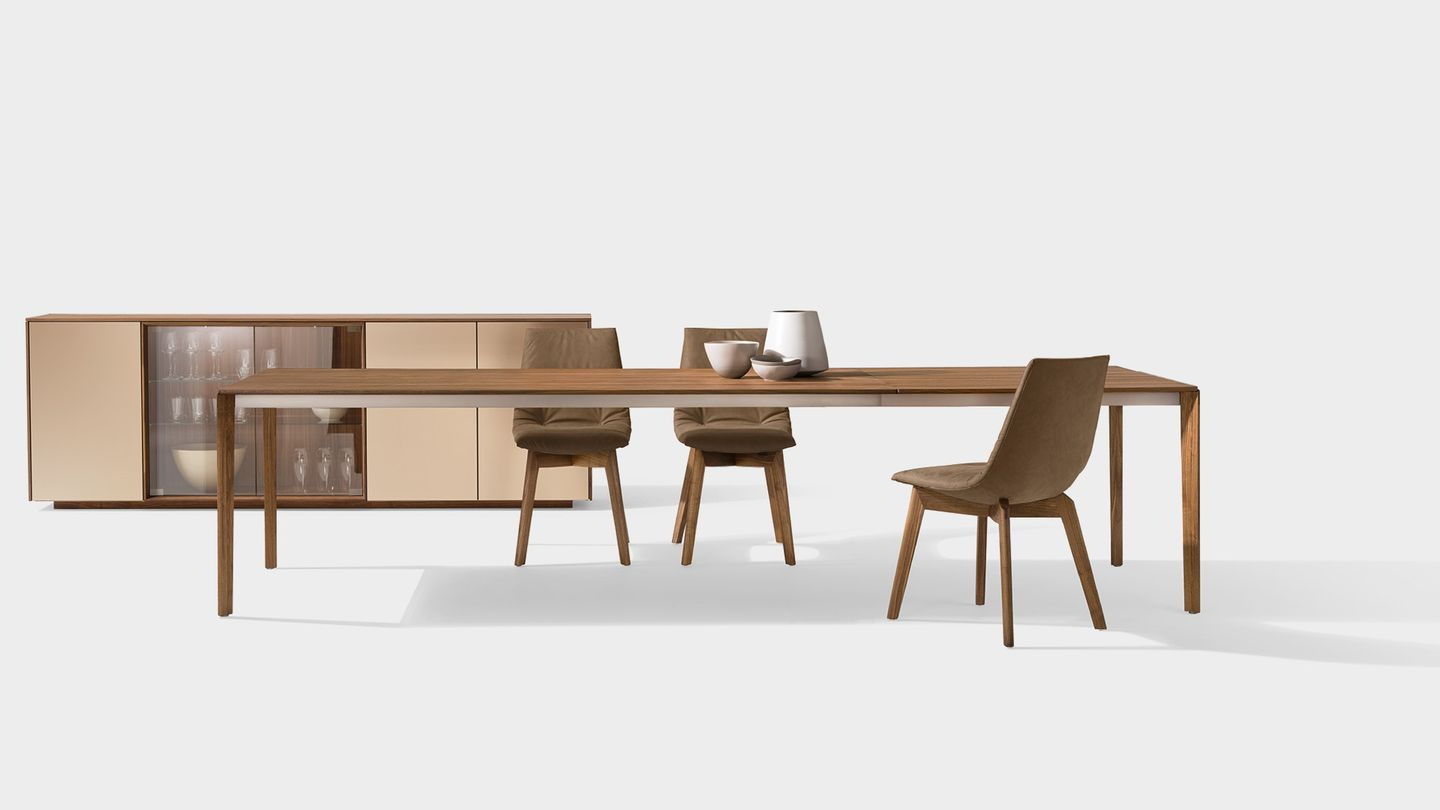 tak extendable dining table with wooden legs in walnut