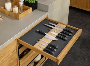 Messerlade in der echt.zeit Küche in Eiche von TEAM 7