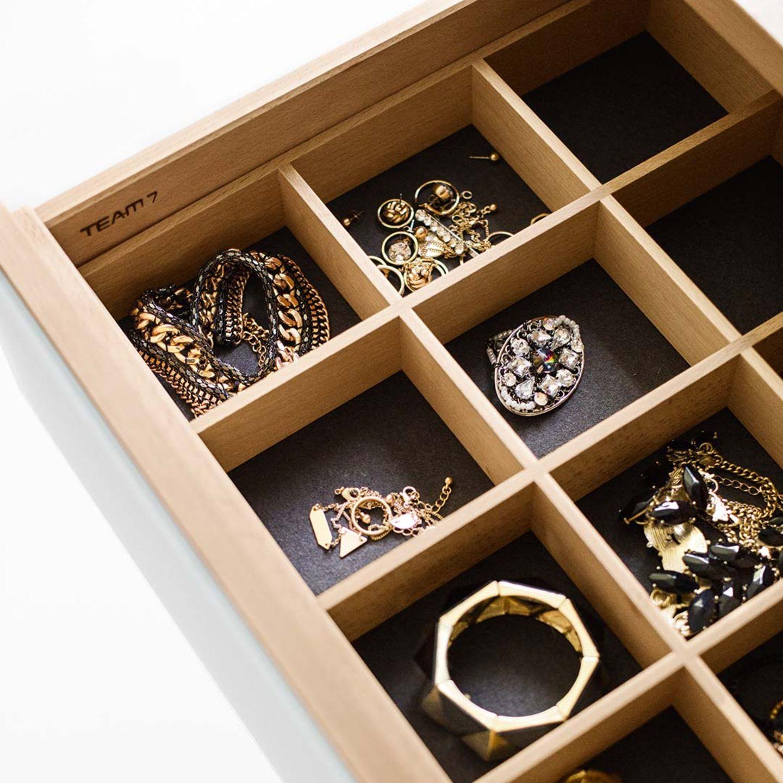 Meuble d'appoint lunetto avec séparation de tiroirs pour les bijoux