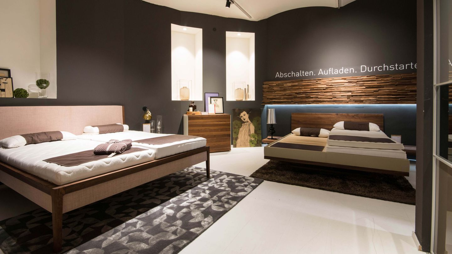 riletto bed and mylon bed in walnut TEAM 7 Vienna
