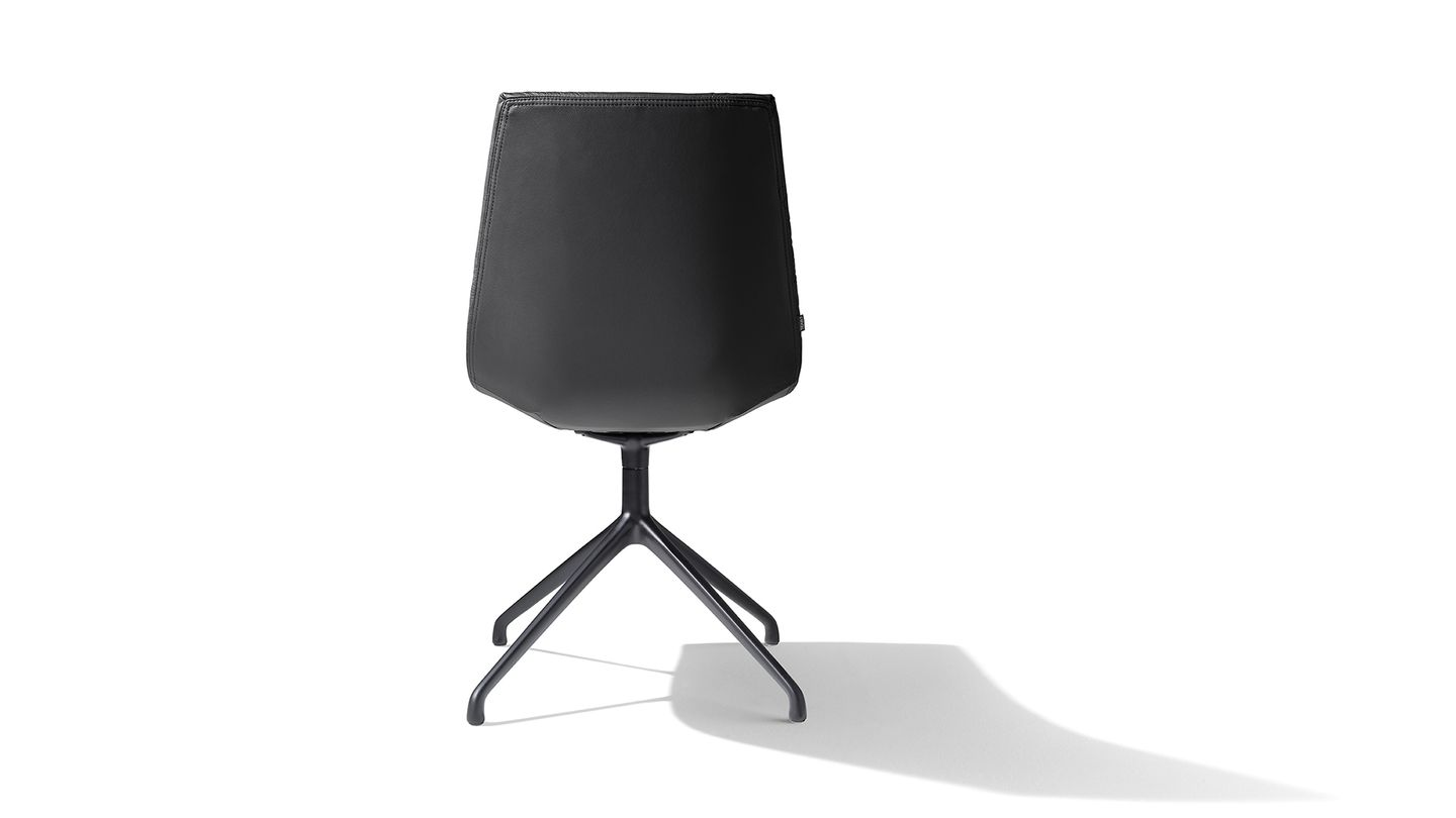 lui chair base black matt leather back