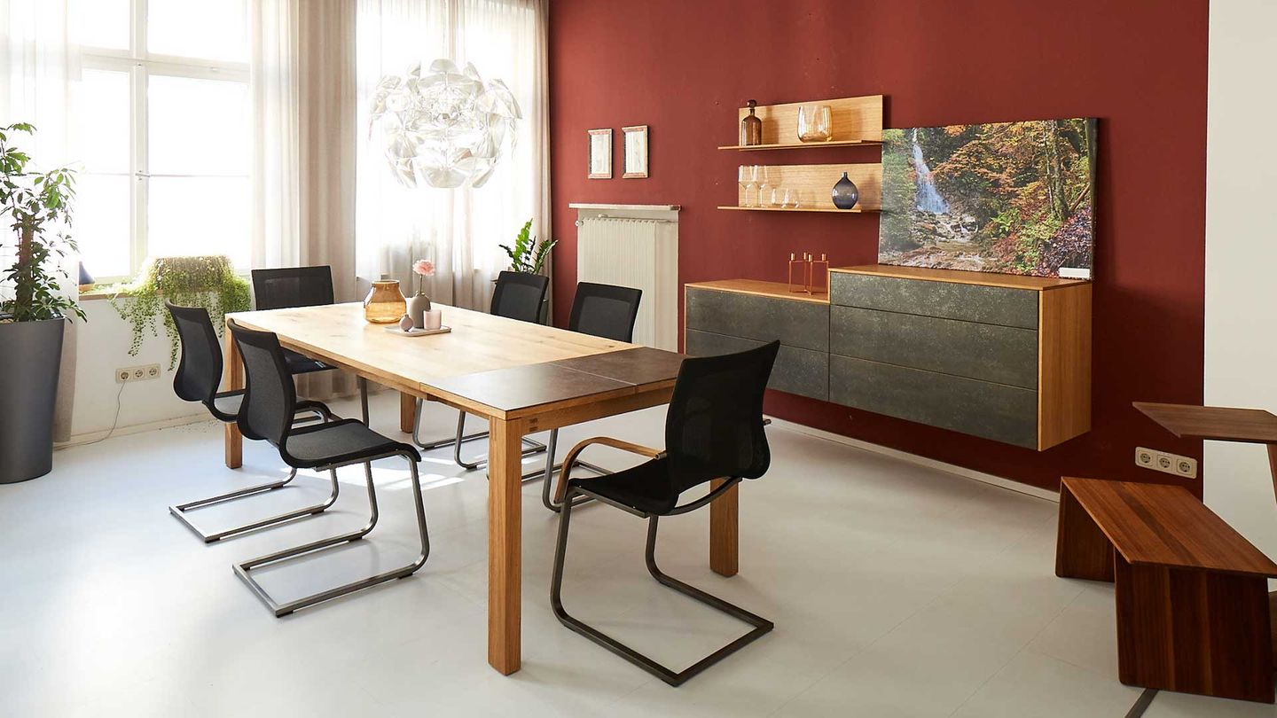 magnum table and chairs with filigno sideboard in oak.