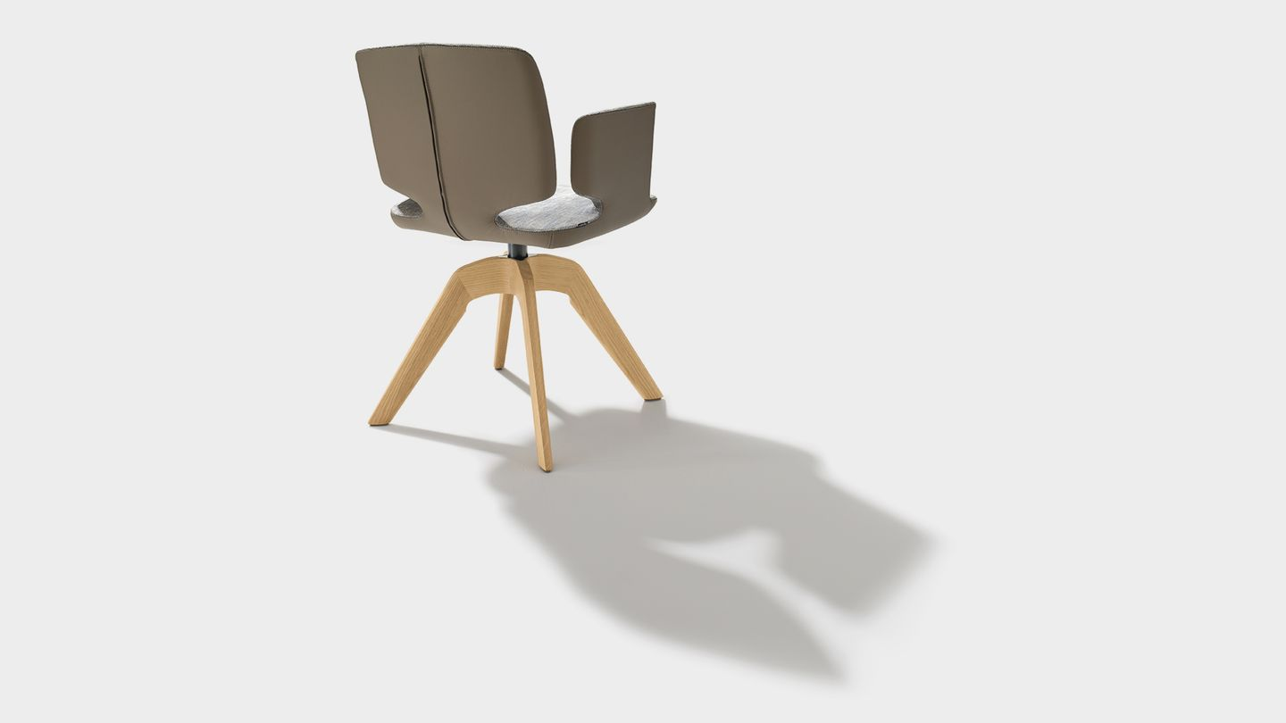 aye swivel chair in maple fabric with armrests in solid wood