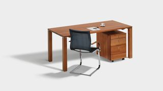 Scrivania cubus in legno naturale con sedia a sbalzo magnum