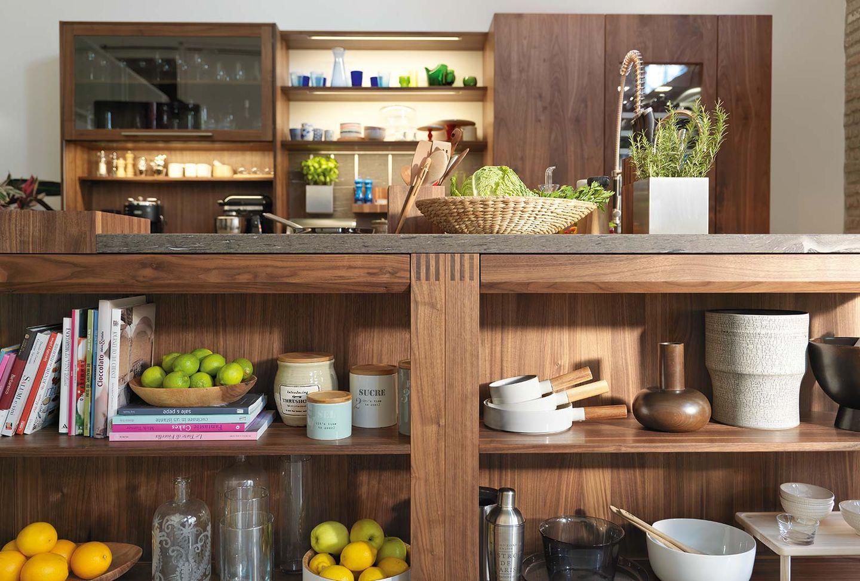 Dettaglio cucina in legno massello loft