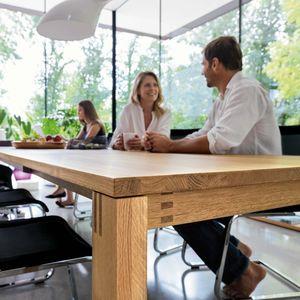 Table de salle à manger magnum en bois massif