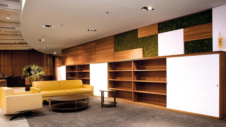 Мебель по замеру от TEAM 7 в Райффайзенбанке в Бухаресте