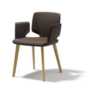 aye chair in fabric with wooden legs in oak