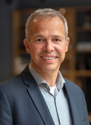 Storeleiter Olaf Müller von TEAM 7 Hamburg City