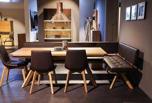 yps Tisch und Eckbank mit lui Stühlen.