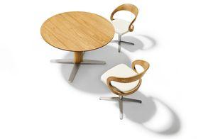 Ausziehtisch girado rund mit girado Stühlen von TEAM 7