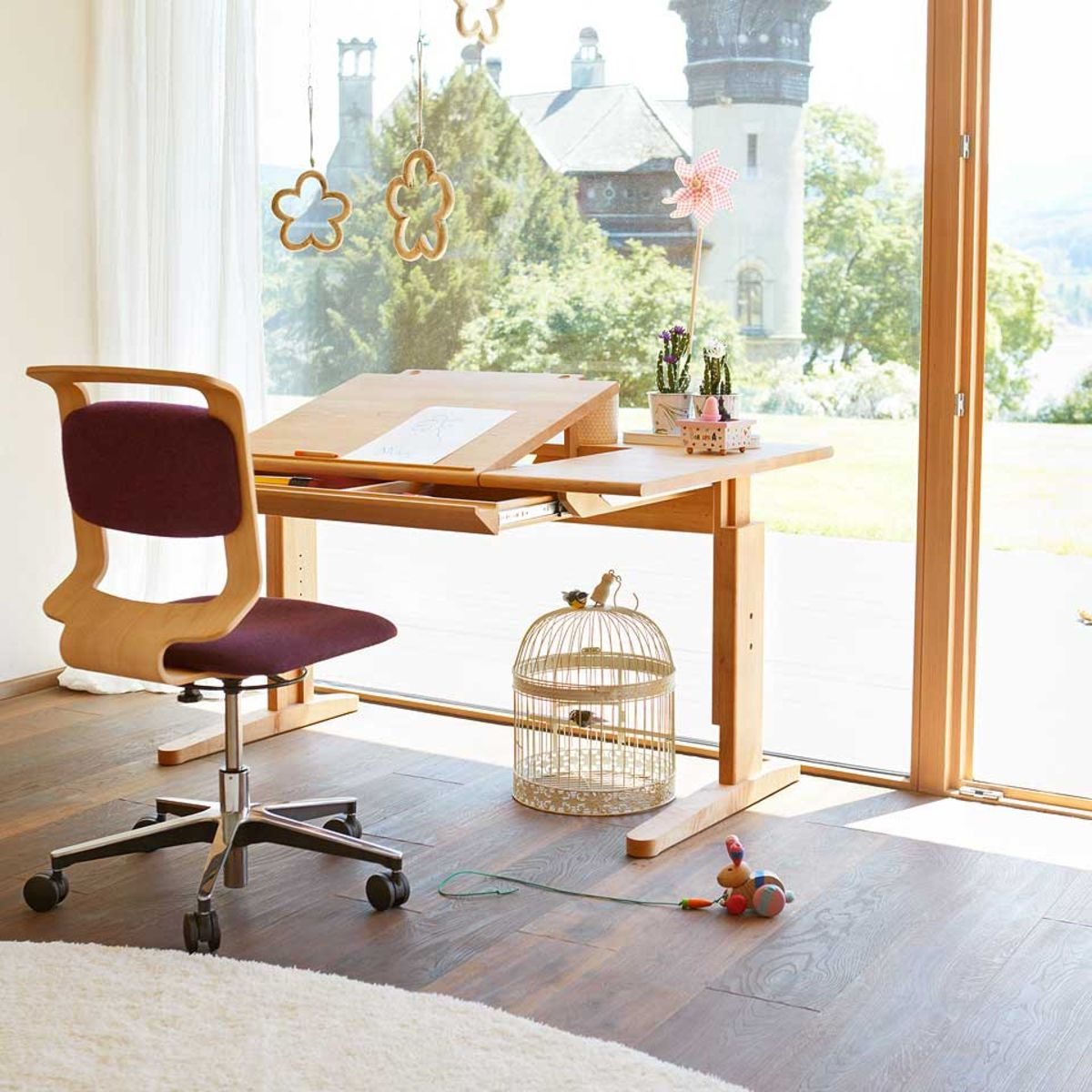 mobile Schreibtisch mit Drehstuhl von TEAM 7 Berlin