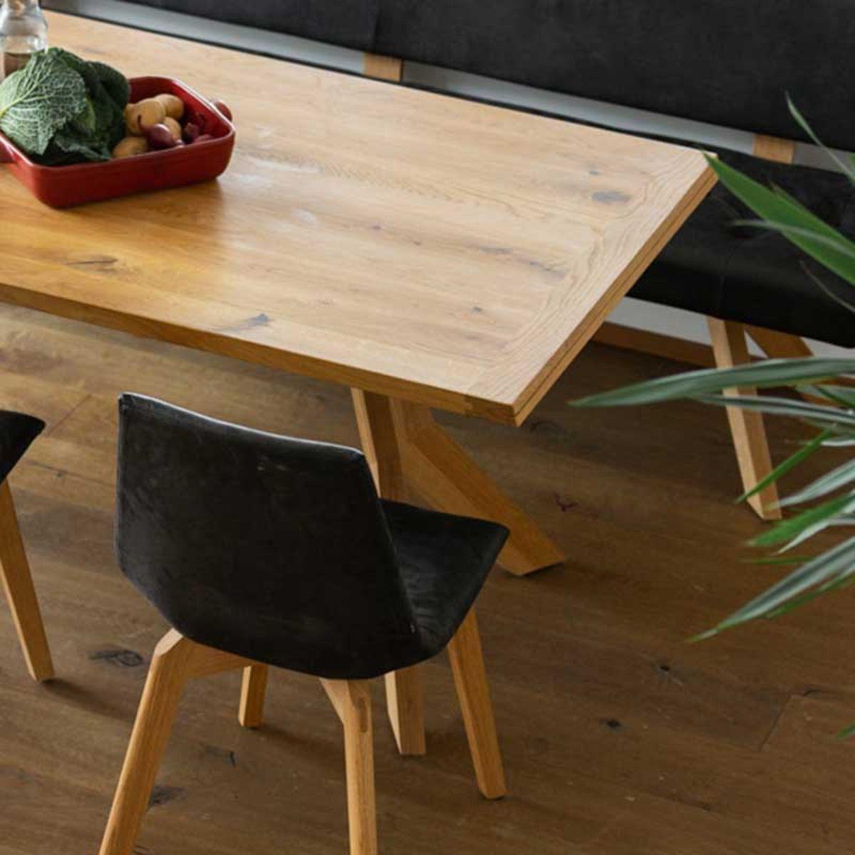 yps Tisch und Bank mit lui Stühlen von TEAM 7 Berlin