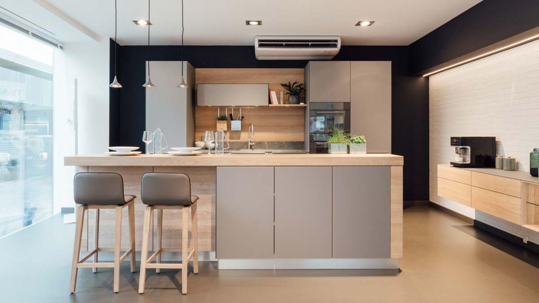 linee kitchen with glas medium gray TEAM 7 Linz