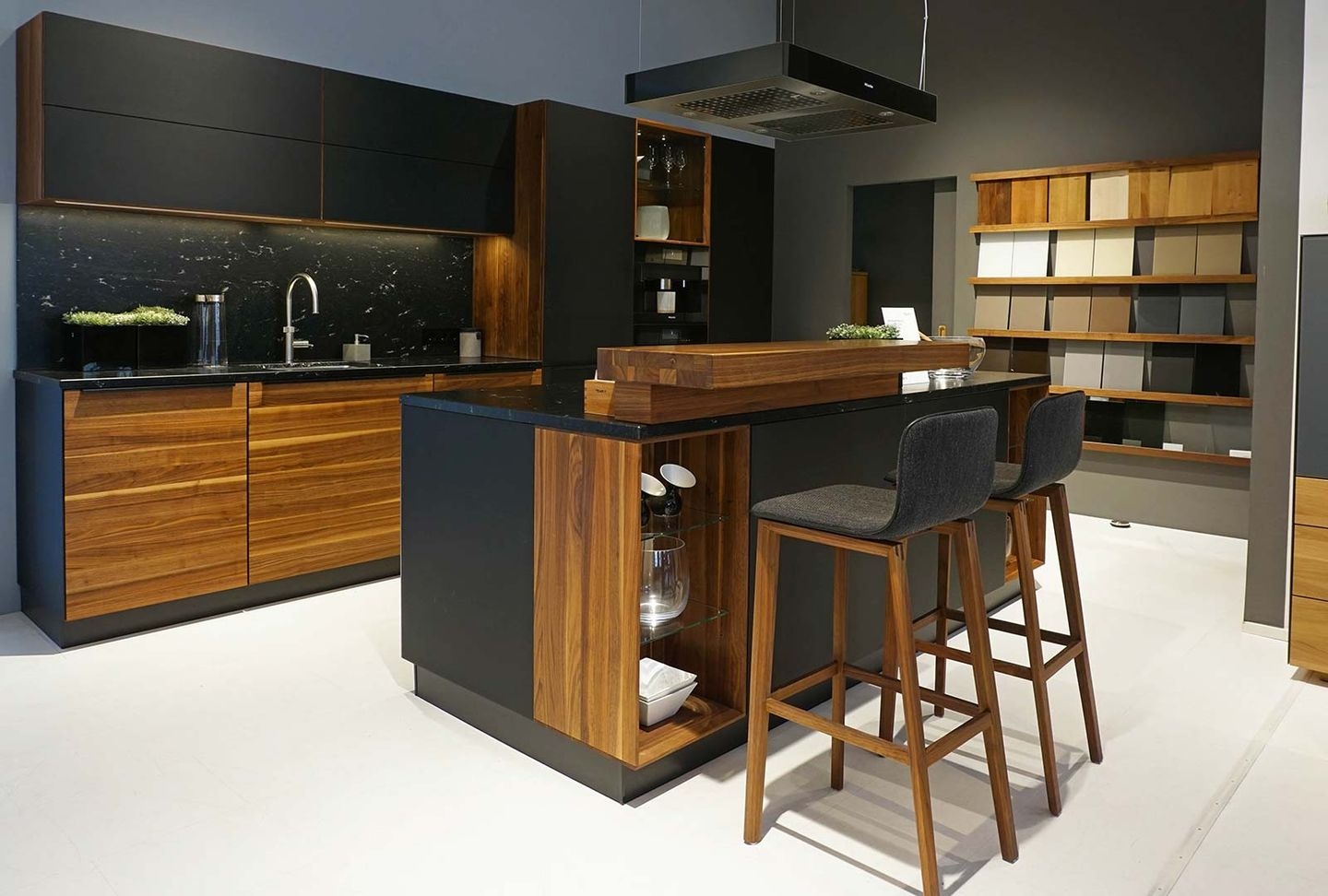 linee black line kitchen in walnut