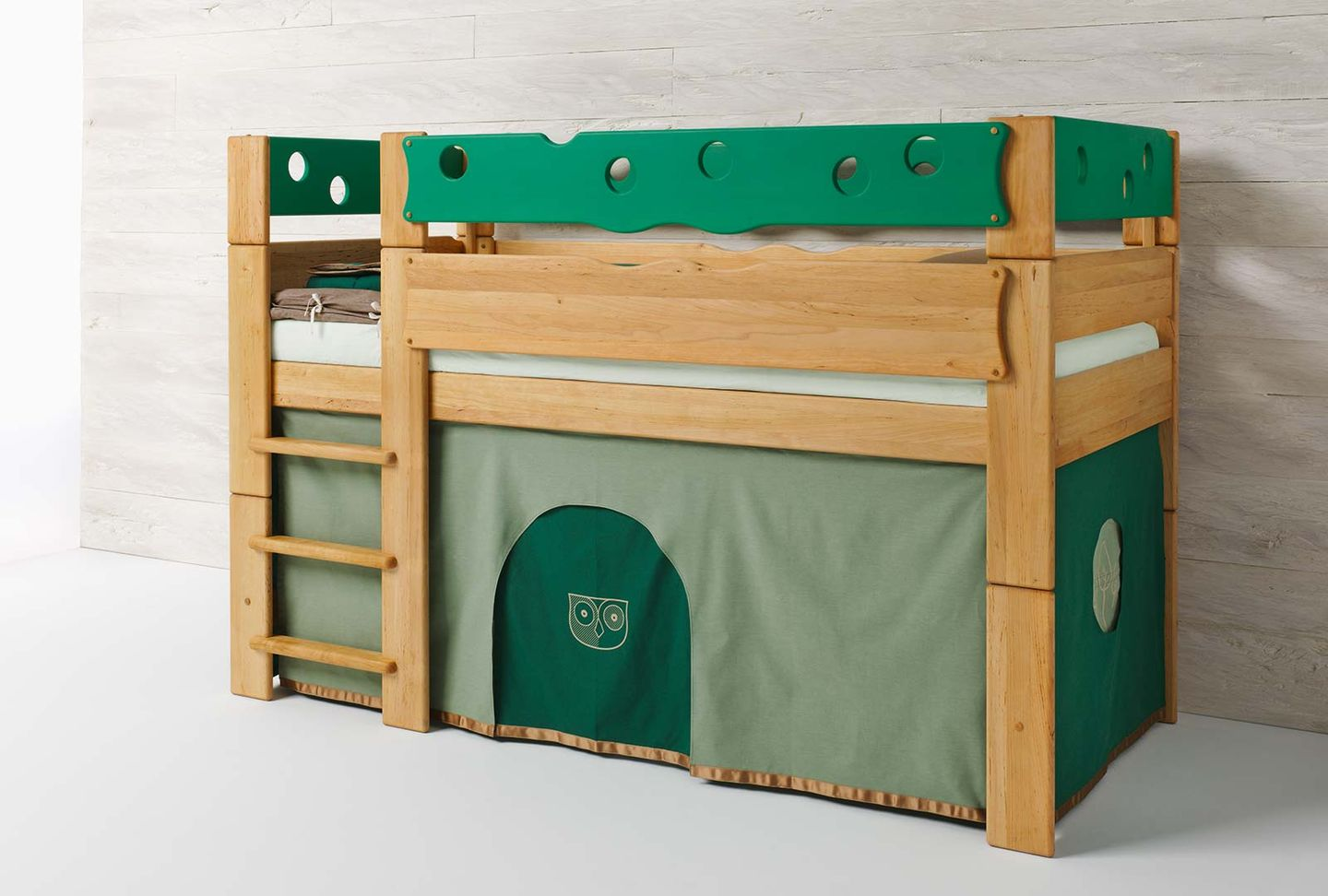 mobile child's bed made of wood