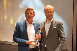 Georg Emprechtinger and Hermann Pretzl with the Pegasus business award in Gold