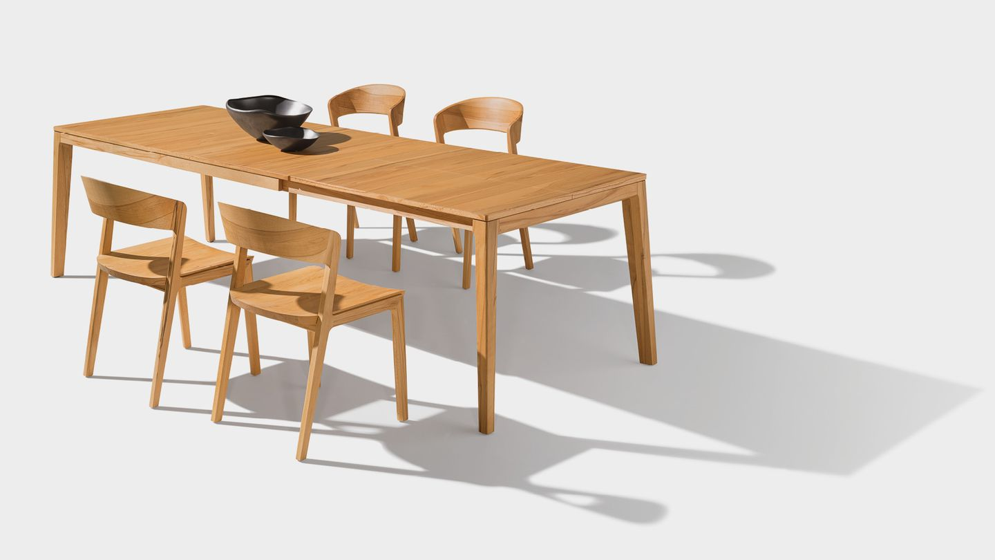 mylon extendable table made from solid wood