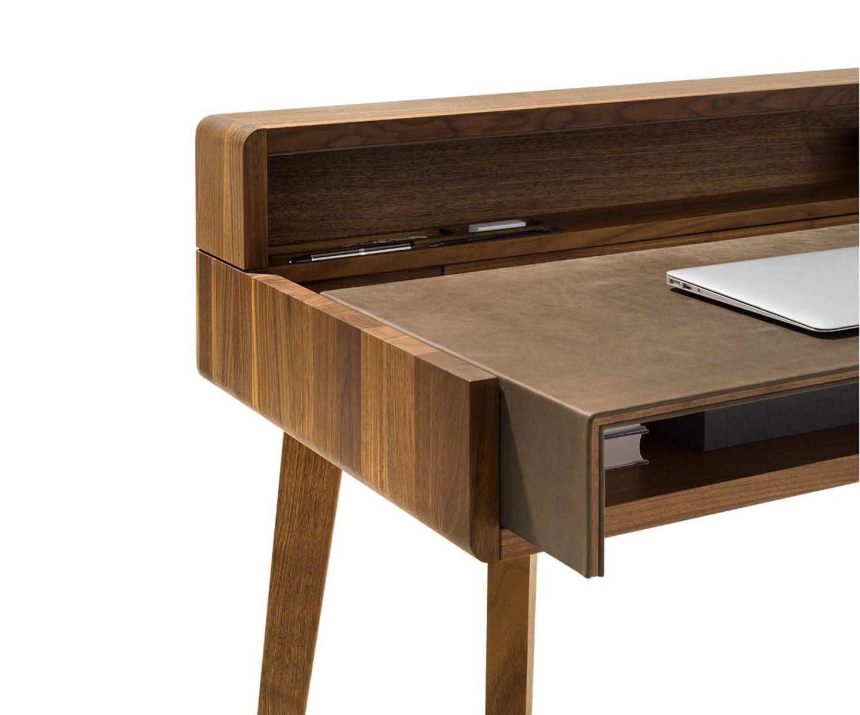 Schreibtisch sol aus Naturholz in Nussbaum Detailaufnahme