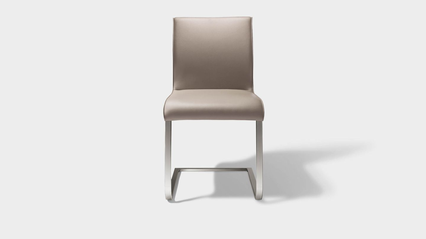 magnum cantilever chair in leather from front