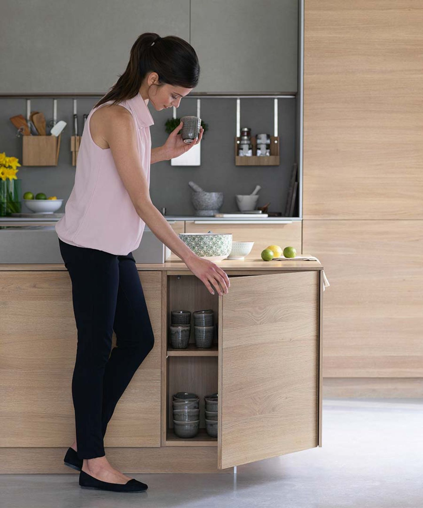 filigno kitchen with kitchen island at the height of a sideboard