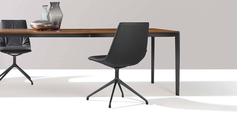 sedia lui base nero, tavolo tak