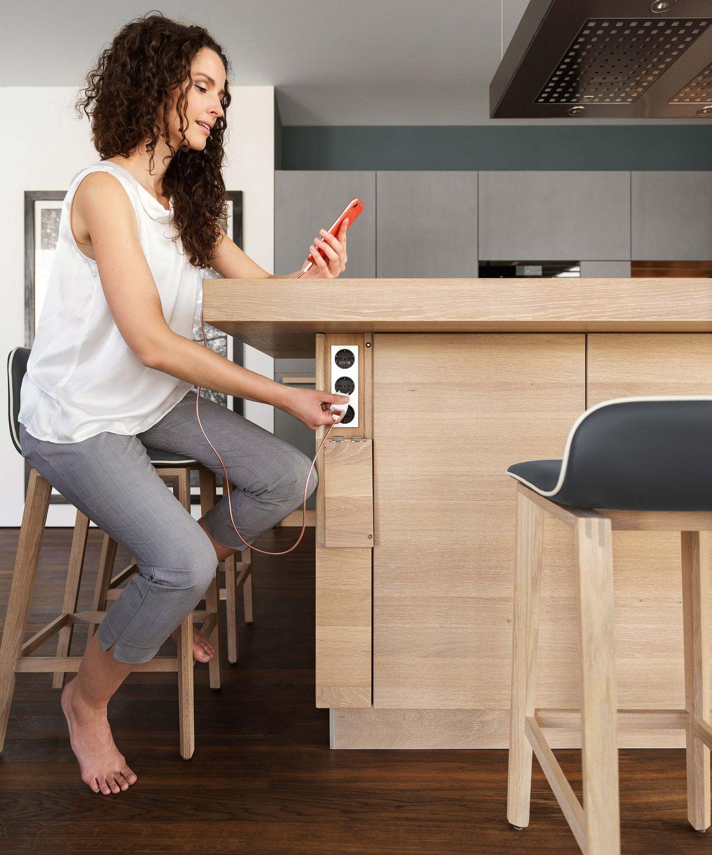 cera line kitchen sockets