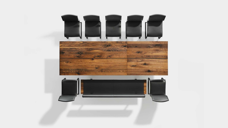 Ausziehtisch nox aus Naturholz mit nox Bank und magnum Stühlen