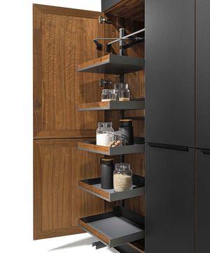 Piano estraibile accessori interni per mobili alti da cucina